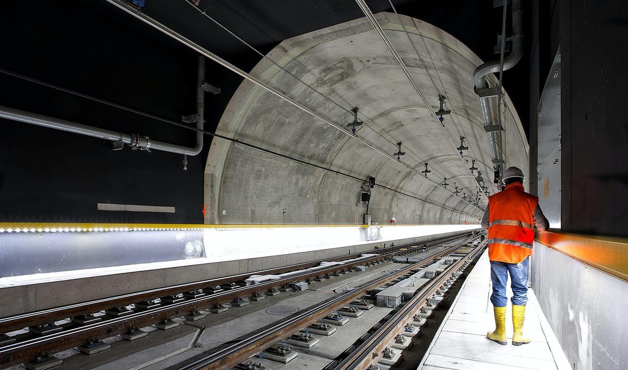 Bauarbeiter Tunnel Fachkraftmangel Deutschland